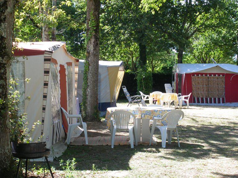 Emplacements caravanes - Camping L'Orée des Bois à Royan